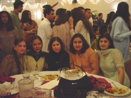 banquet_ucigirls2.jpeg